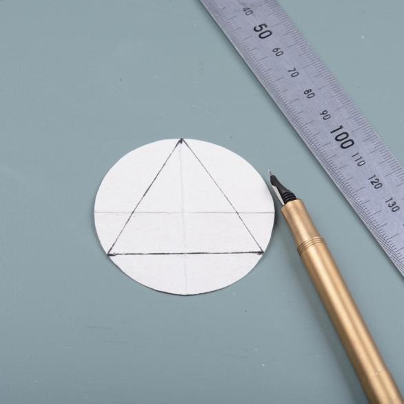 Draw-triangle